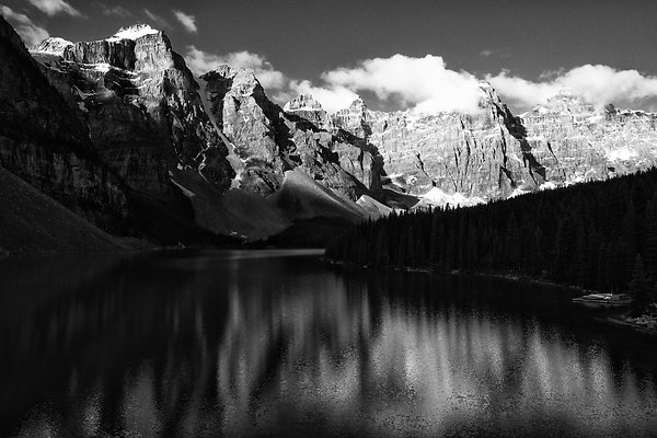 Emerald Lake Banff BC blkwh